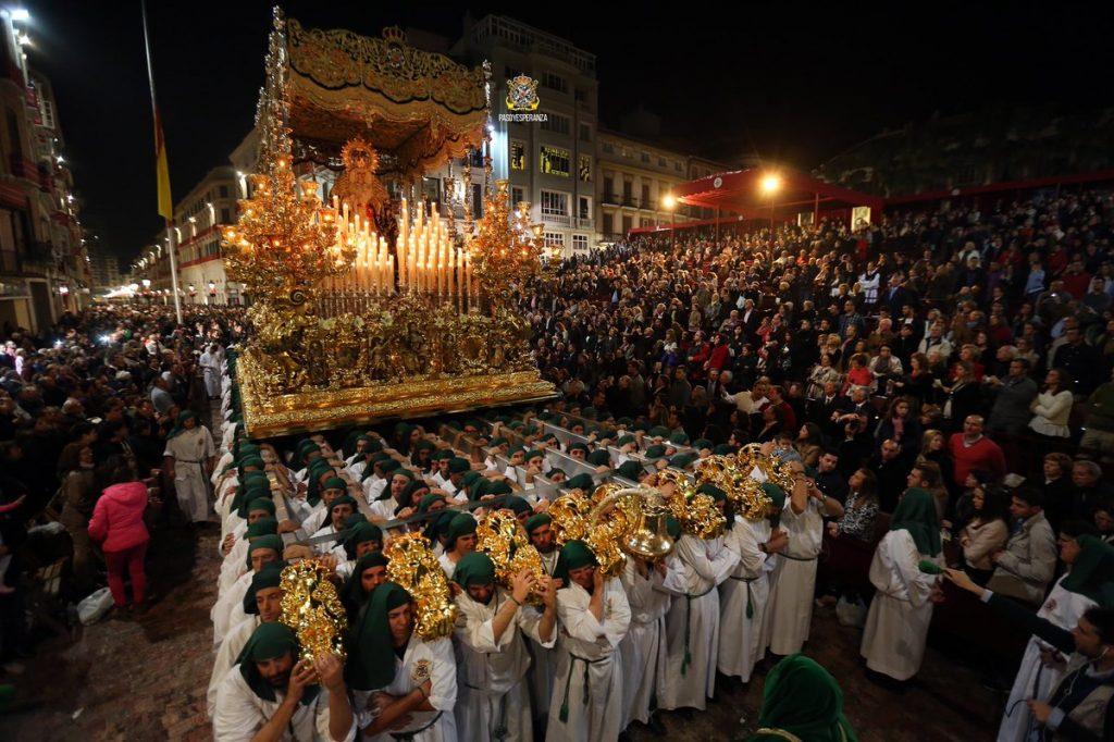 trono Esperanza malaga